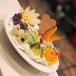 Eiscafe DELLE ALPI Restaurant Neumarkt Food 01