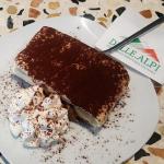 Eiscafe DELLE ALPI Restaurant Neumarkt Food 05